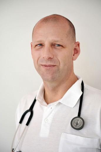 Dr. Burchardt